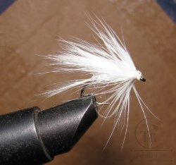 "Муха мокрая Wet fly "" Wet Fur ( 10 ) White""крючок № 14 ( Kumho Wet)"